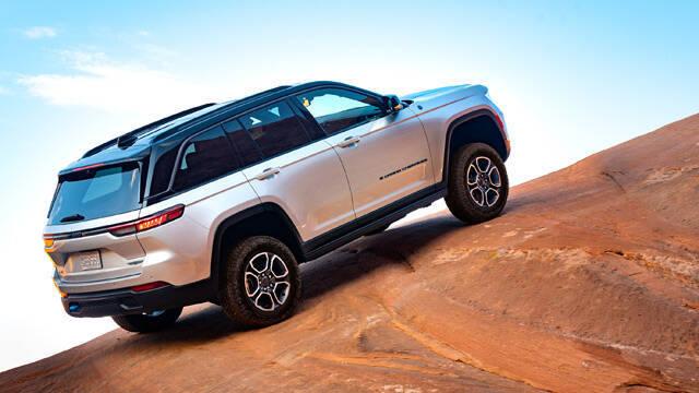 2021/10/04/md/34732_6-jeep-grand-cherokee.jpg